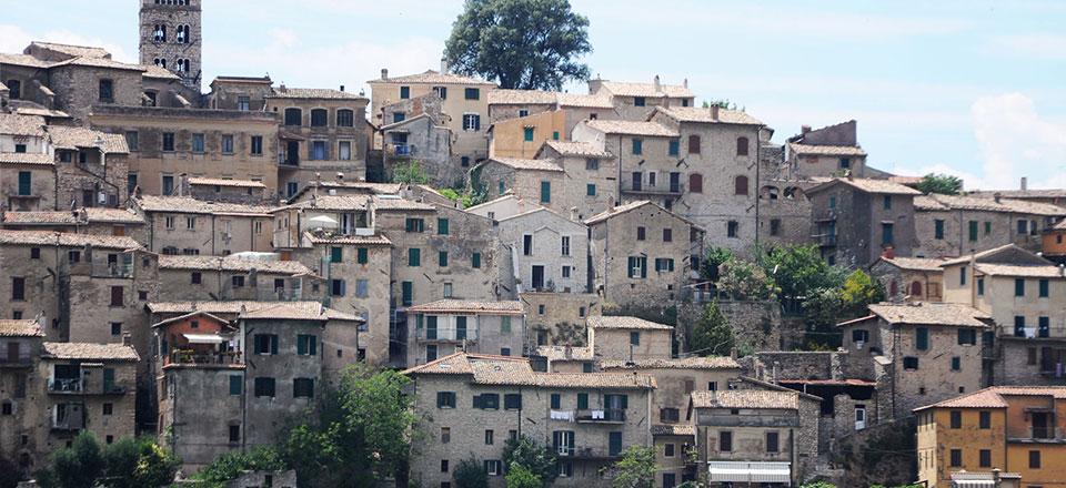 Pietre di aspra casa vacanze casperia - Porta romana viaggi ...
